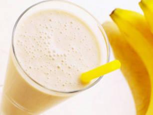 banana-smoothie-15eki5a