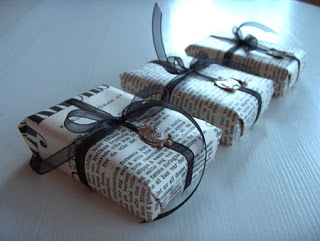 gift wrap newspaper